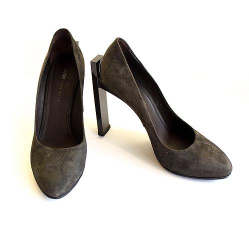 Hugo Boss Women Black Suede Thick Heel Pump
