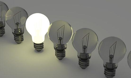 light-bulbs-1125016_1920_edited.jpg