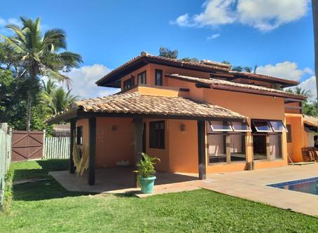 Ref.: 381 - Vendo Casa com 03 dorms., em residencial fechado, no Centro de Arraial d'Ajuda