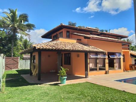 Ref.: 381 - R$ 1200.000,00 - Vendo Casa com 03 dorms., em residencial fechado, em Arraial d'Ajuda