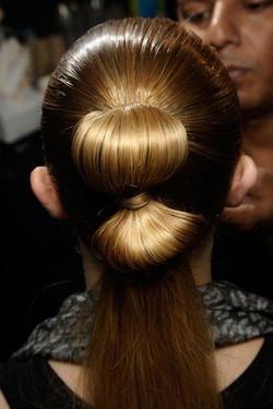 7c37ff2a8877cfcaebef8629667060d0--catwalk-hair-runway-hair
