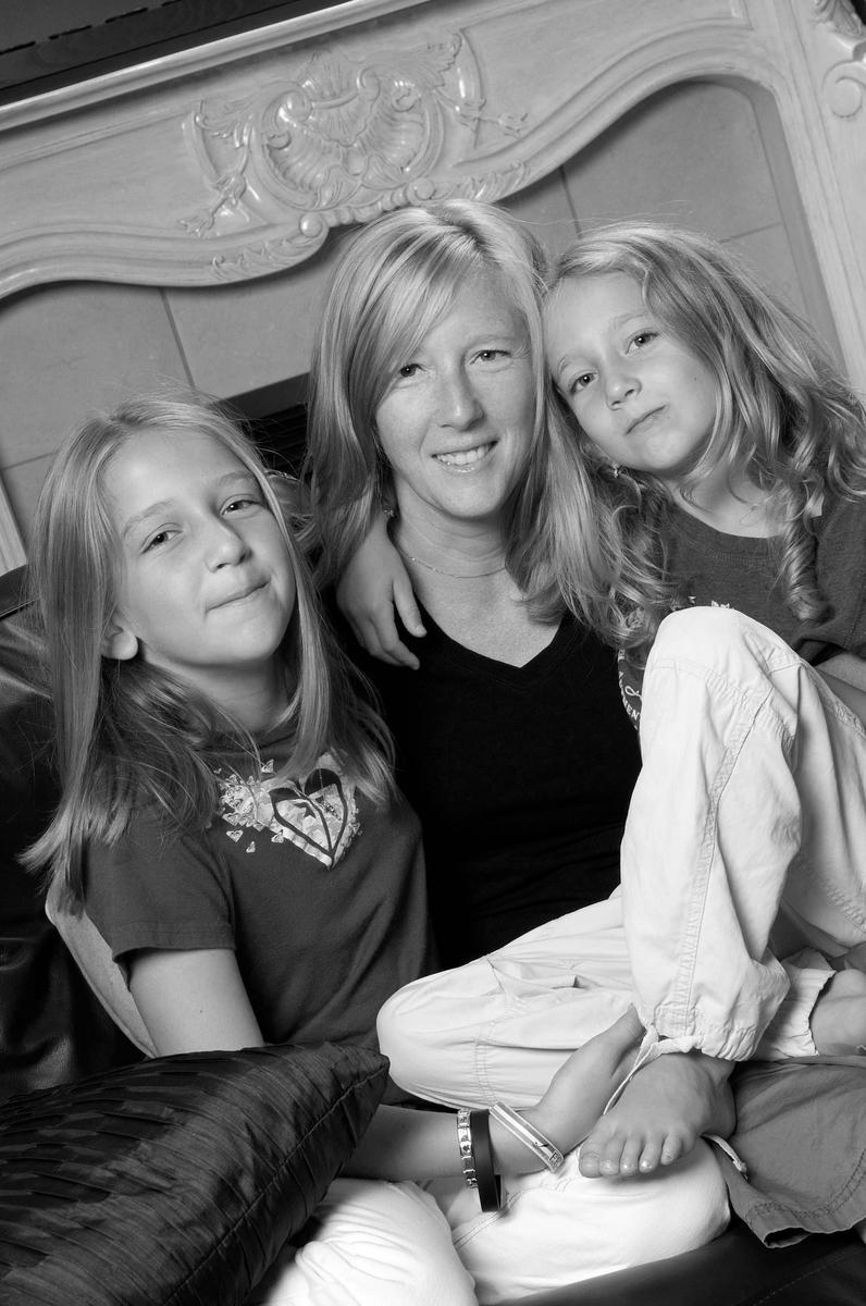 Claudia et ses filles bw