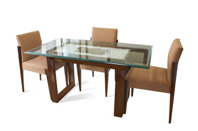 Dining table at Hiland Park