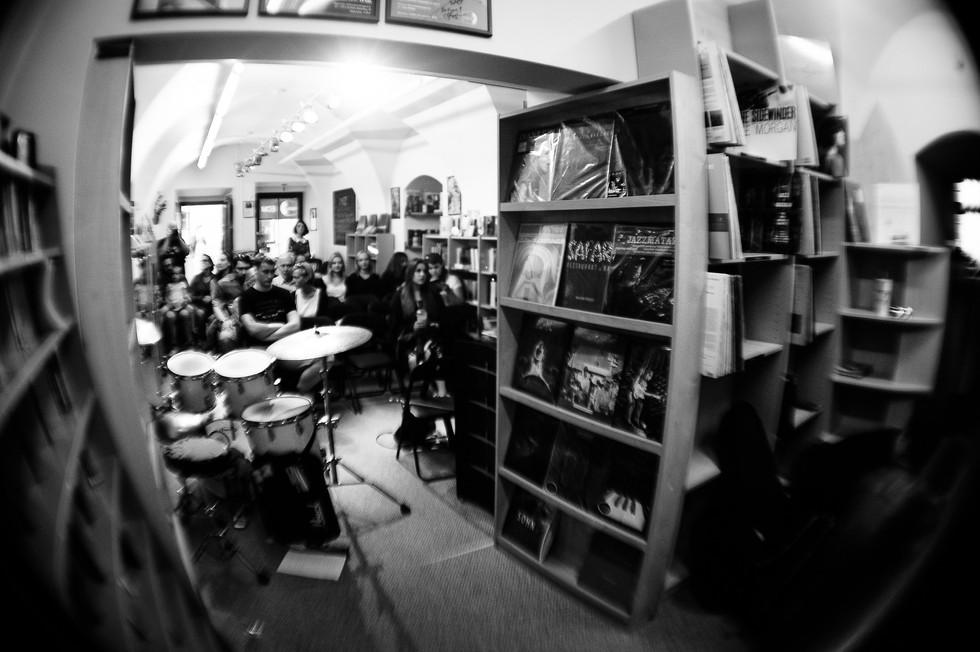 SIN at 'Rudninku knygynas' (Rudninku book store)