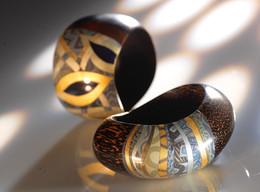 Bracelets palmier laqué, de Nathalie Rolland-Huckel, ma mère.