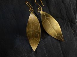 Boucles d'oreilles feuilles - L'Atelier de Salem 2020 (vendues).