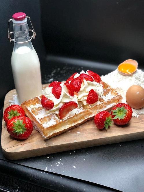 Brusselse wafel met slagroom/aardbeien