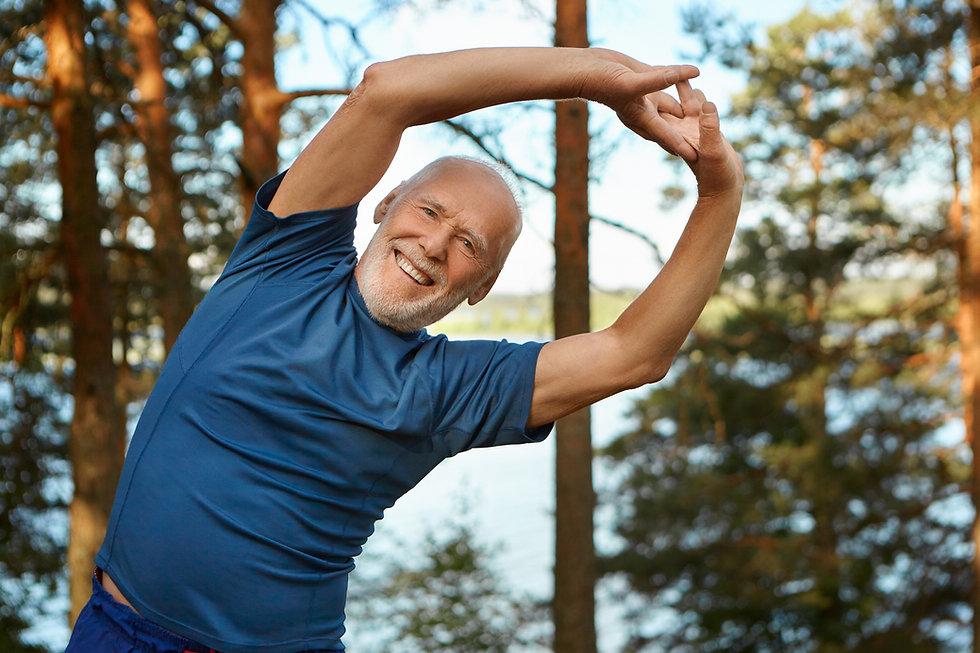 outdoor-shot-happy-energetic-senior-reti