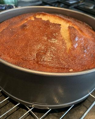 Baking%20a%20cake%202_edited.jpg