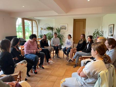Pourquoi ne pas avoir intégré les garçons dans votre Girls leadership camp? par Leila Delarive