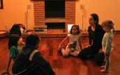 Mariana Floriano, Bailarina e Professora de Dança:Oficina Prática corporal para crianças  - Aniversário de 1 ano Eu-Movimento - 2019. Foto: Caio Cesar.
