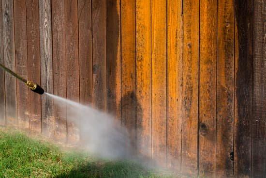 fence pressure wash