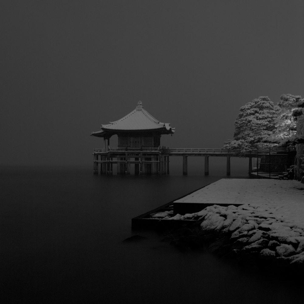 雪の浮御堂