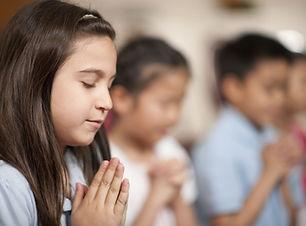 enfants Praying
