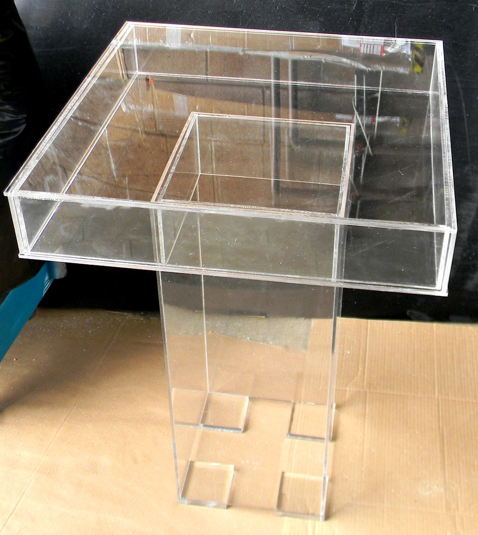 Lucite-game-table-display