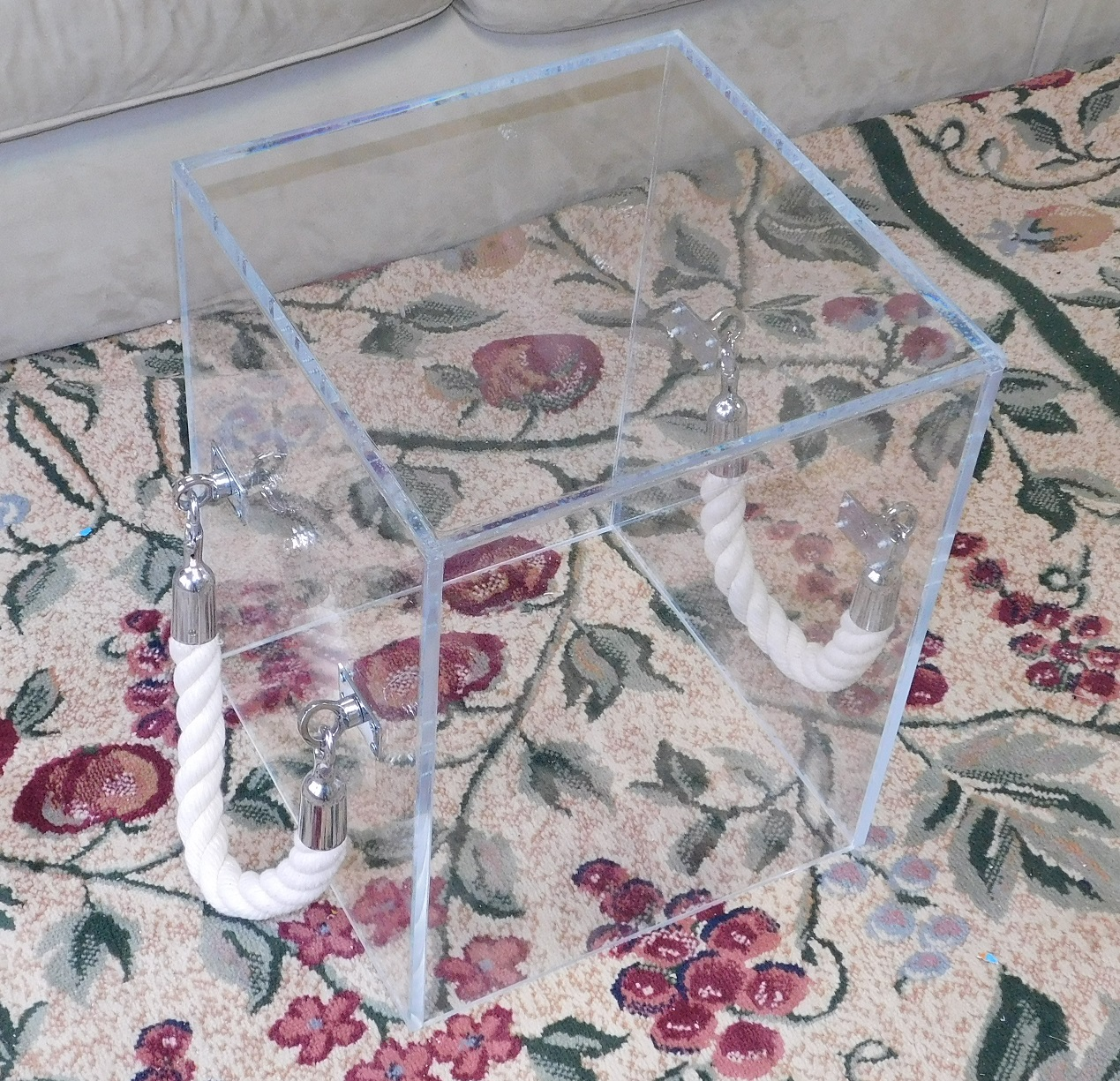 Cube_Acrylic_Lucite-rope handle-Table (5)