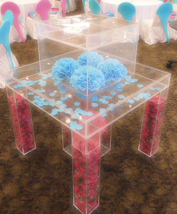 Acrylic cake table pink blue decor