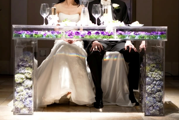Bridal-table-desk-ghost-table-lucite-removable-top-wedding
