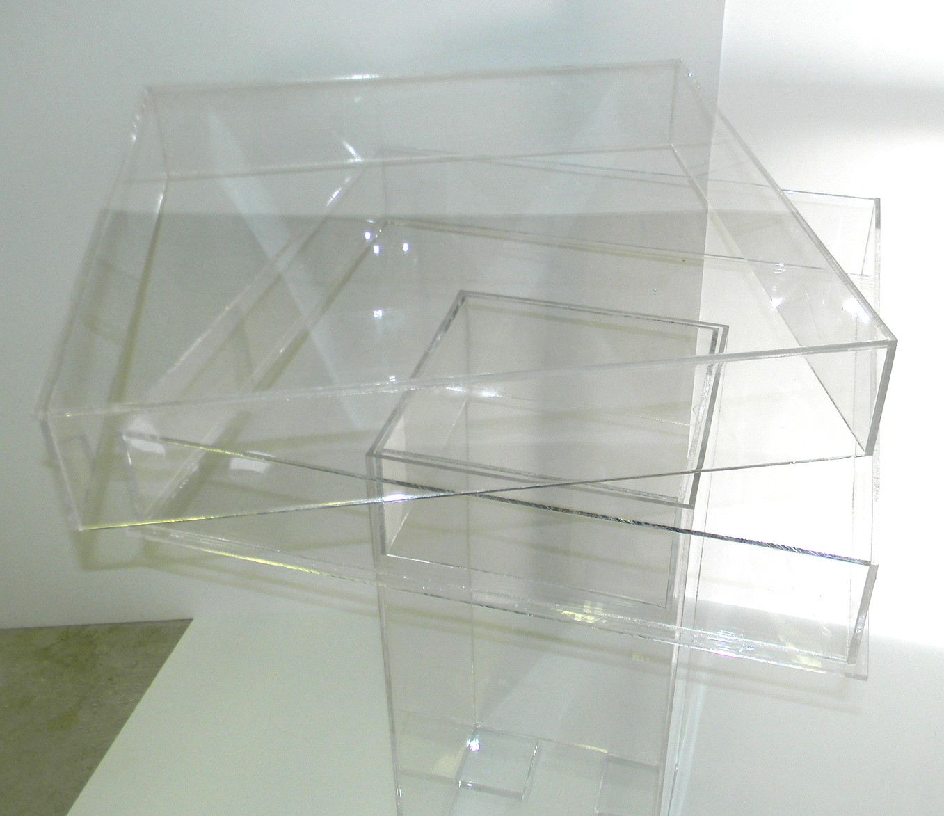 lucite-game-table-top off