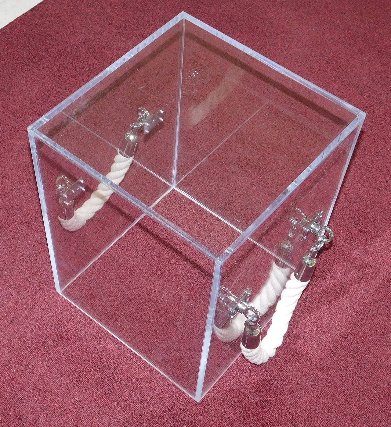 Cube_Acrylic_Lucite-rope handle-Table-white rope