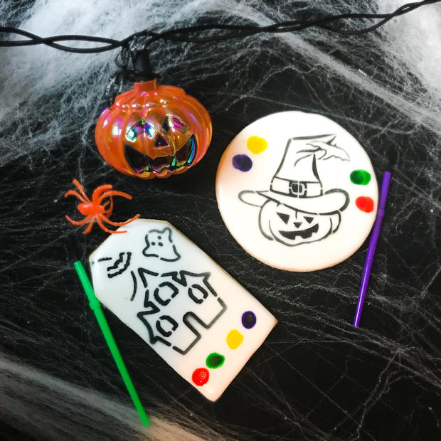 Paint Your Own Halloween Set
