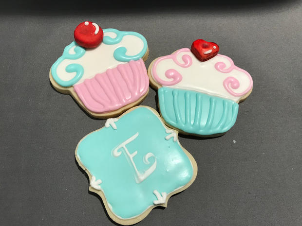 Cupcake and Monogram (blue)
