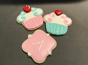 Cupcake and Monogram (pink)