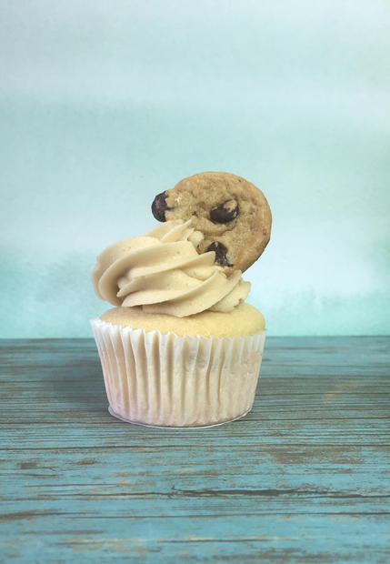 Cupcake with Chocolate Chip Cookie