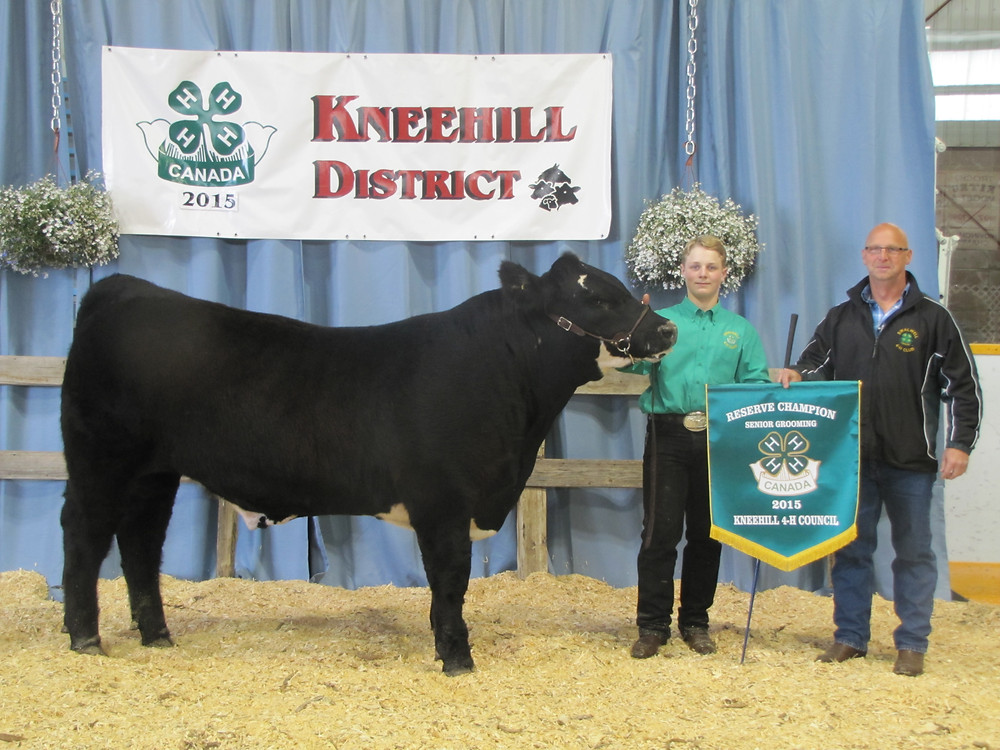 Kyle Smithers 2nd in Class Kneehill District 4-H Show