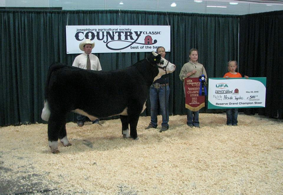 Heidi Tymko Reserve Champion Open Steer UFA Country Classic