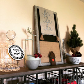 Easy Holiday Decor: How to Mix In Pieces