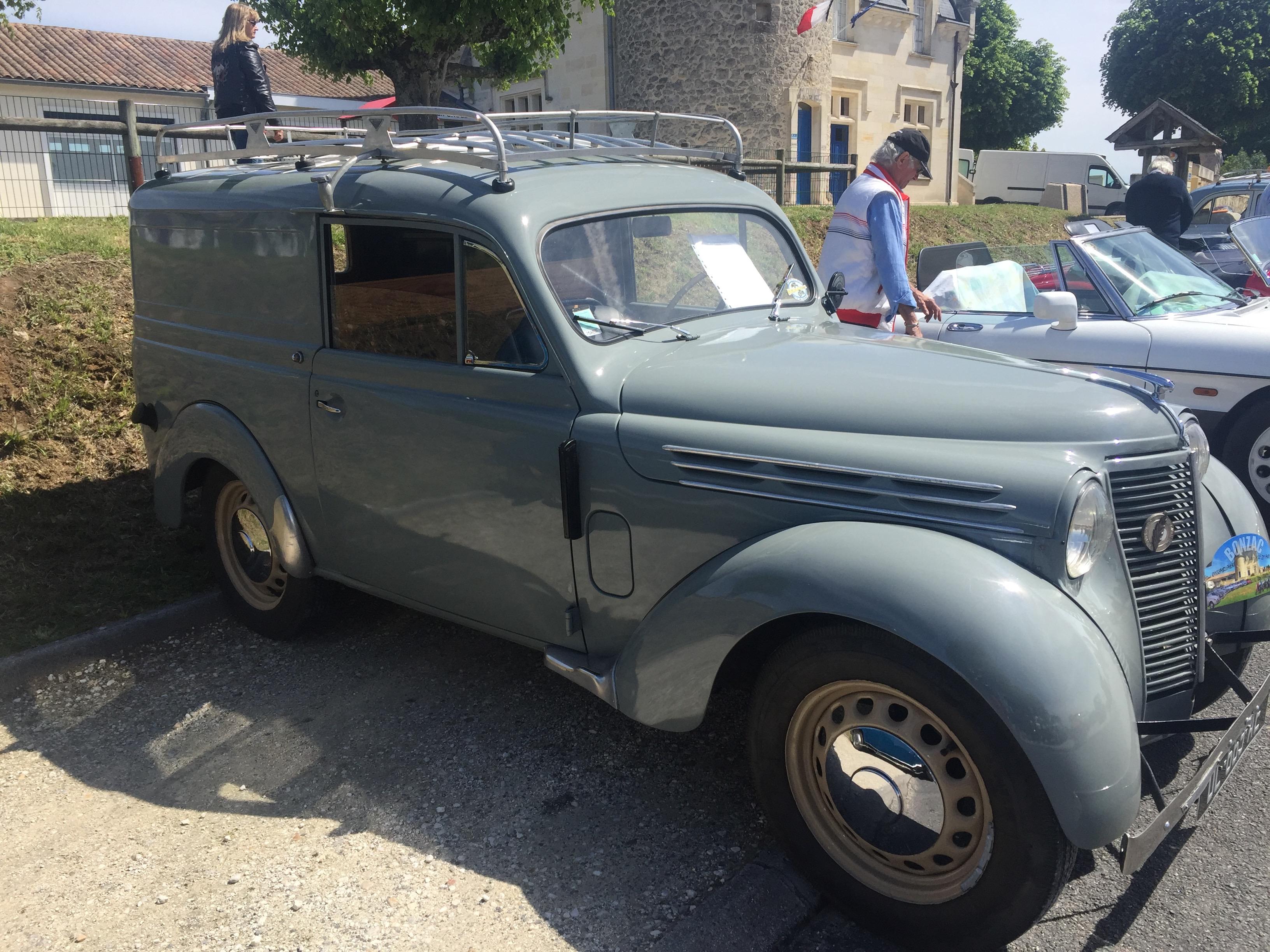 JUVAQUATRE FOURGONNETTE - 1950