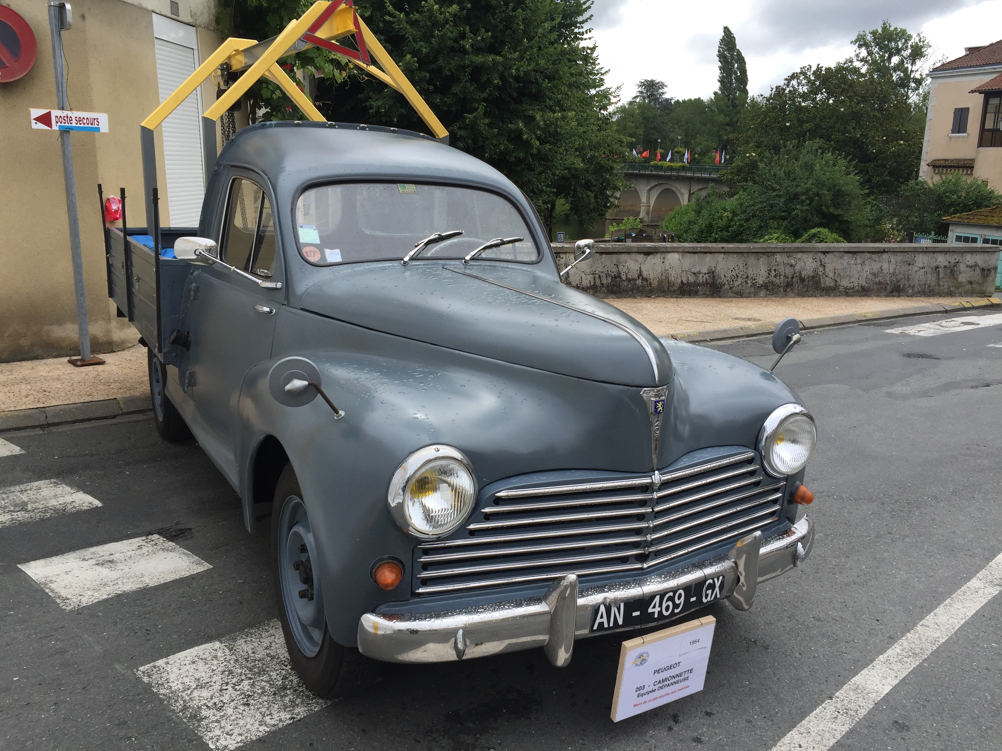 PEUGEOT 203 CAMIONNETTE - 1954