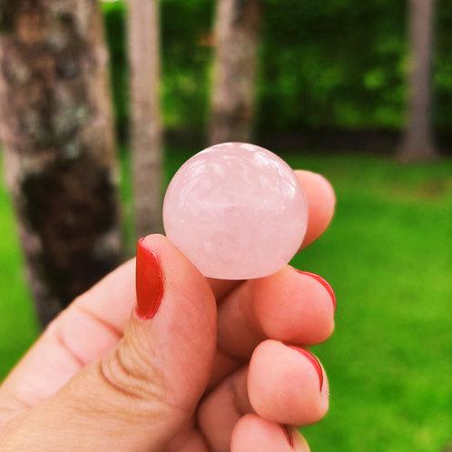 Mini Esfera de Quartzo Rosa (base reta)
