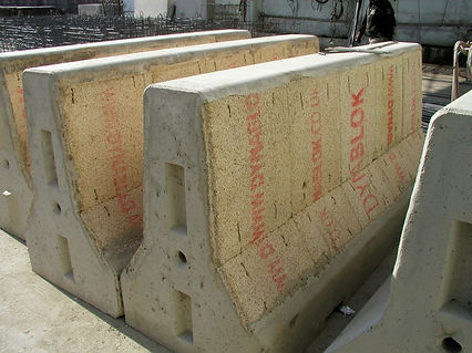 Dynablok barriers