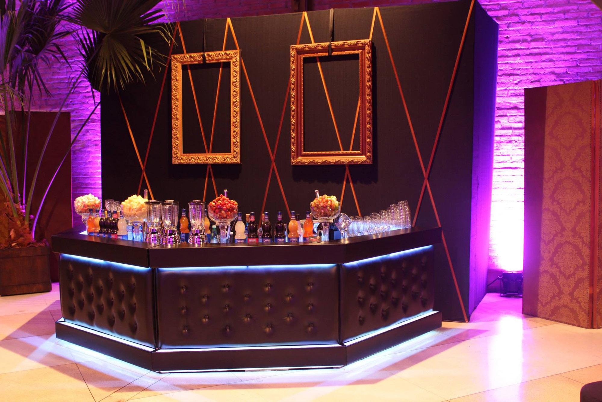 Bar Preto com Capitonê Preto