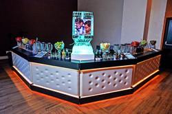 Bar Preto com capitonê Branco