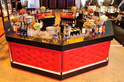 Bar Preto com Capitonê Vermelho
