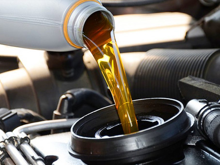 Esqueceu de trocar o óleo do carro ? Não deixe de trocar o óleo por conta destes motivos !