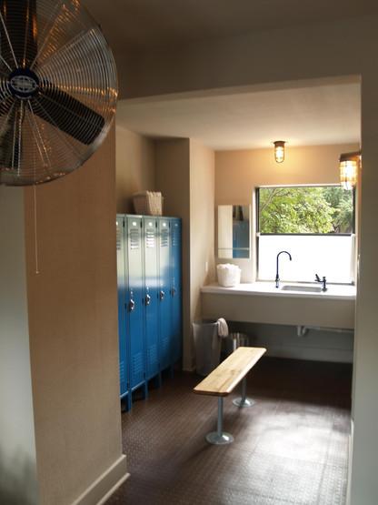 Pool+Gym Dressing Room