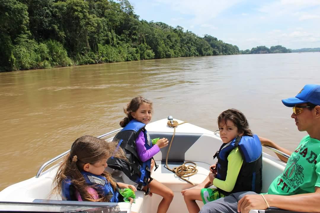 Navegando el río magdalena
