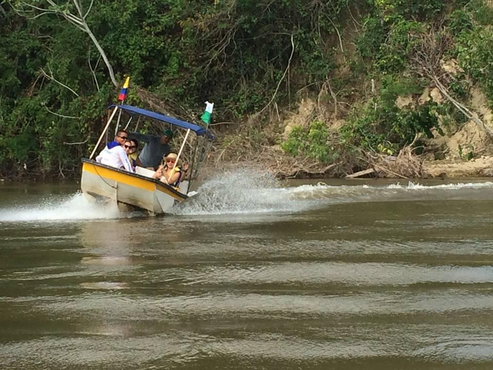 Lancha rio magdalena