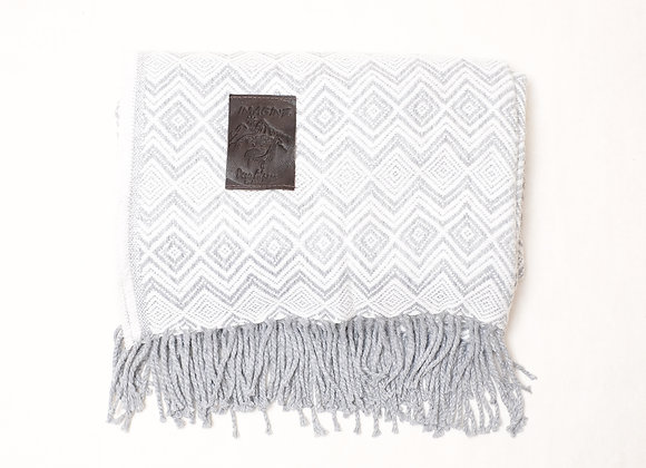 Peruvian Blanket - Grey White Small Zig Zag