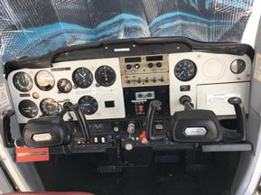Cessna 150 Dashboard.jpg