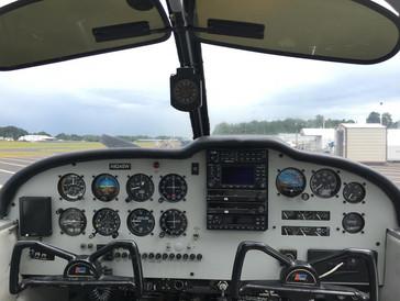 Cherokee 180HP Dashboard.jpg