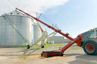 Westeel silo with Famking auger