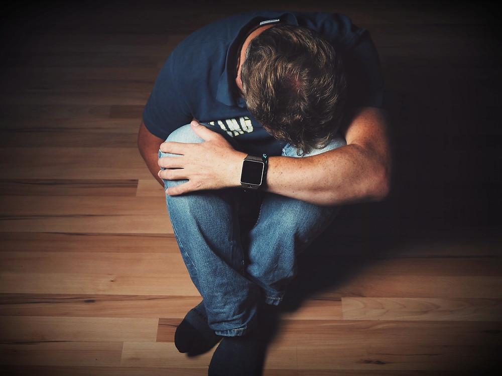 El duelo sin despedida dificulta cerrar las heridas, duelo, pérdida, covid, coronavirus, psicología, terapeuta, tratamiento, niños, duelo patológico, terapia, proceso de duelo, bloqueo, muerte, fallecimiento, pariente,  seres queridos, sentimiento, diálogo, ausencia, despedida, rutina, depresión, dolor