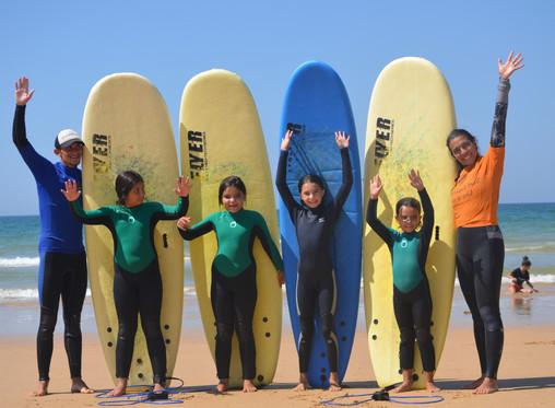 As aulas de surf continuam... Já conheces a Escola de Surf Vilamoura Surf Project?