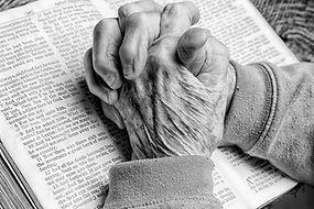 IDOSOS BIBLIA.jpg