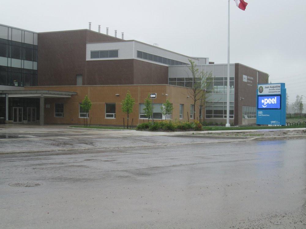 jean-augustine-secondary-school 2.jpg